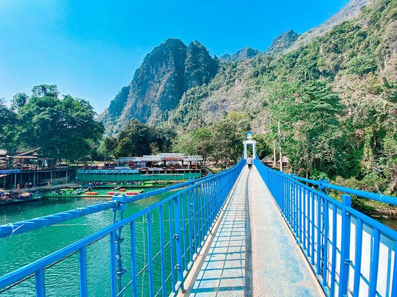 Cây cầu xanh của Vang Vieng